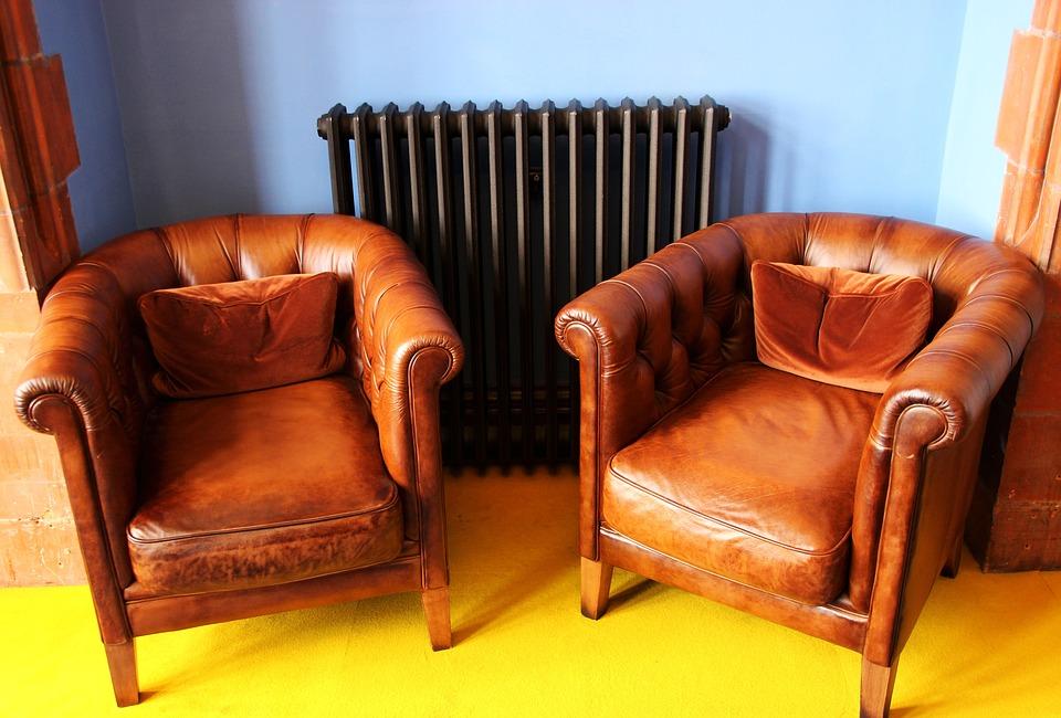 vieux fauteuils